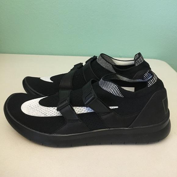 2aa7b63e4c923 🚨Black Friday🚨 NikeLab Air SockRacer